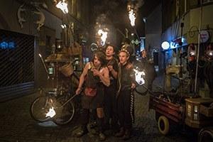 La parade de feu du cirque Del Mundo