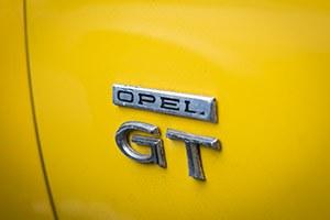 Les voitures opel GT débarquent