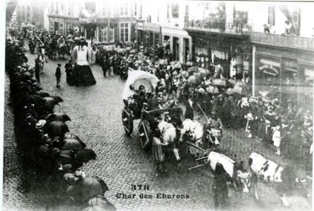 rue du Moulin   Char des Eburons et Samson