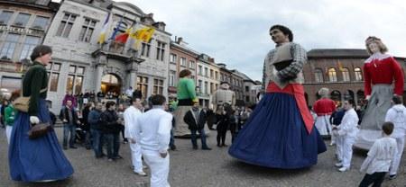 UNESCO - 10 ans : Des géants paradent à Ath !
