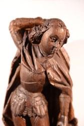 Statuette en bois de St Michel 16e siècle