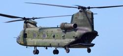 Passage d'hélicoptères de combat