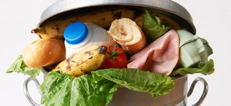 Le gaspillage alimentaire: Un coup dur pour votre budget!